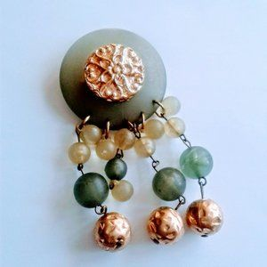 Jewelry - vintage lucite medallion bubble bead dangle pin